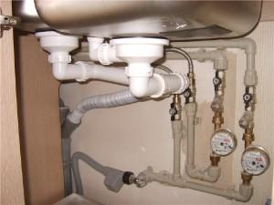 Монтаж систем канализации и водоснабжения
