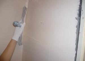 Штукатурка стен в спальне