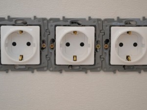 Подключение розеток, выключателей