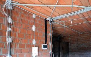 Электромонтажные работы в кирпичном доме